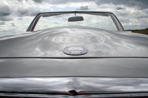 schad-oldtimer-erfahrung-mercedes-280sl-motorhaube
